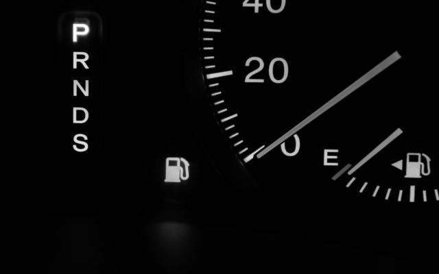 【車のガソリンのE】意味は?Eになってからどのくらいの距離走れる?徹底解説!