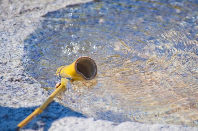 【打ち水の歴史と由来】意味や原理・効果的なやり方など徹底的に紹介!