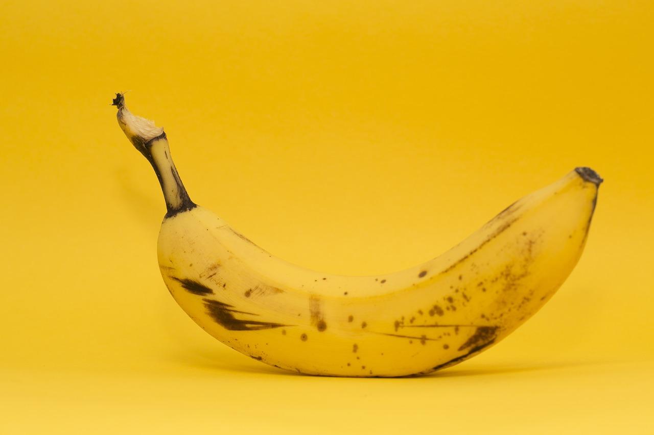 【バナナの食べ過ぎに注意!】太る!腹痛や下痢などの体への影響リスクについて